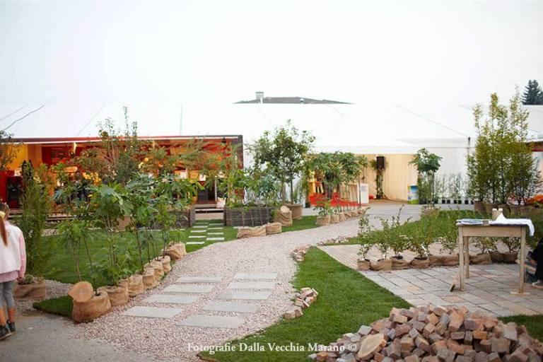 01 - Mostra Artigianato 2012 - Il giardino d'ingresso